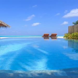 Sun Aqua Vilu Reef - Luxury Maldives honeymoon packages - villa pool