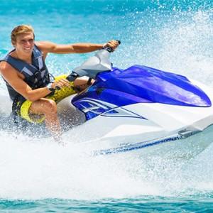 Sun Aqua Vilu Reef - Luxury Maldives honeymoon packages - watersport activities2