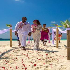 Sun Aqua Vilu Reef - Luxury Maldives honeymoon packages - wedding1
