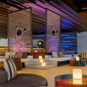 Velassaru Maldives - Luxury Maldives Honeymoon Packages - Fen bar