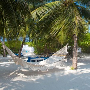 Velassaru Maldives - Luxury Maldives Honeymoon Packages - Fen bar exterior