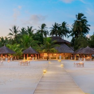 Velassaru Maldives - Luxury Maldives Honeymoon Packages - Sand