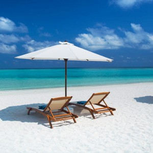 Velassaru Maldives - Luxury Maldives Honeymoon Packages - beach