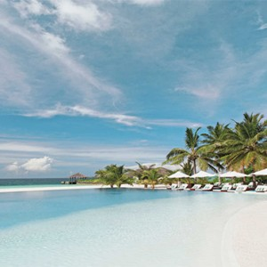 Velassaru Maldives - Luxury Maldives Honeymoon Packages - beach view