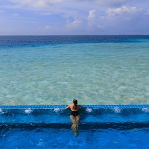 Velassaru Maldives - Luxury Maldives Honeymoon Packages - villa pool
