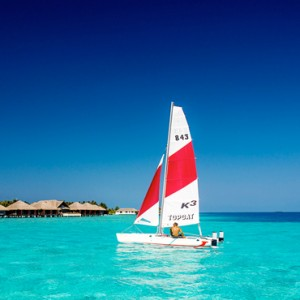 Velassaru Maldives - Luxury Maldives Honeymoon Packages - watersport activities