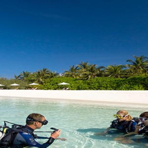 Velassaru Maldives - Luxury Maldives Honeymoon Packages - watersport activities, scuba diving