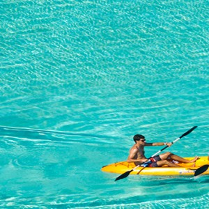 Velassaru Maldives - Luxury Maldives Honeymoon Packages - watersport activities2