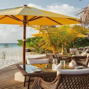 Drift Thelu Velga Retreat - Luxury Maldives Honeymoon packages - Beach bar