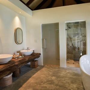 Drift Thelu Velga Retreat - Luxury Maldives Honeymoon packages - Water Villa bathroom1