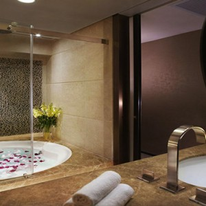 Hong Kong Honeymoon Packages Harbour Grand Hong Kong Accommodation Bathroom