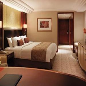 Hong Kong Honeymoon Packages Kowloon Shangri La Deluxe Room1