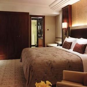 Hong Kong Honeymoon Packages Kowloon Shangri La Executive Suite1
