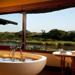 Lion Sands Game Reserve - Luxury South Africa Honeymoon Packages - Narina Lodge bathroom