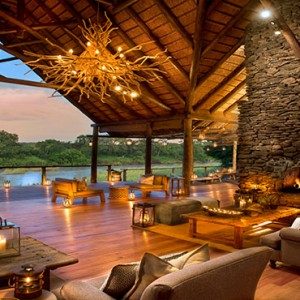 Lion Sands Game Reserve - Luxury South Africa Honeymoon Packages - Narina Lodge lounge