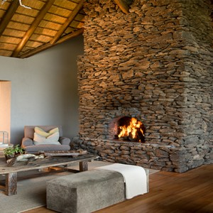 Lion Sands Game Reserve - Luxury South Africa Honeymoon Packages - Narina Lodge lounge bar