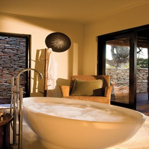 Lion Sands Game Reserve - Luxury South Africa Honeymoon Packages - River lodge bathroom