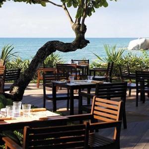 Malaysia Honeymoon Packages Shangri La Rasa Sayang Resort Pinang Restaurant & Bar1