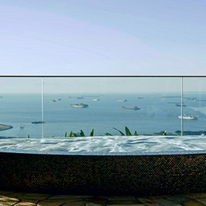 Marina Bay Sands - Luxury Singapore Honeymoon Packages - jacuzzi