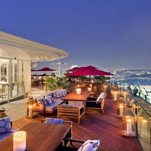 Marina Bay Sands - Luxury Singapore Honeymoon Packages - Ce La Vi restaurant and sky bar2