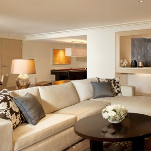 Marina Bay Sands - Luxury Singapore Honeymoon Packages - Sands Suite living room