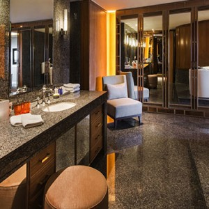 Pan Pacific Luxury Singapore Honeymoon Packages Pacific Harbour Suite Bathroom