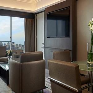 Pan Pacific Luxury Singapore Honeymoon Packages Pacific Skyline Suite1