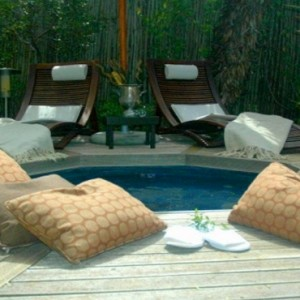 Pumba Private Game reserve - Luxury South Africa Honeymoon Packages - Spa pool1