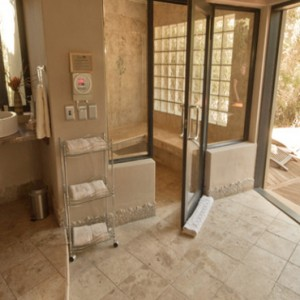 Pumba Private Game reserve - Luxury South Africa Honeymoon Packages - Spa room