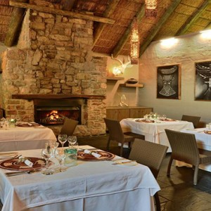 Shamwari Game Reserve - Luxury South Africa Honeymoon Packages - Dining