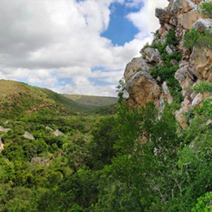Shamwari Game Reserve - Luxury South Africa Honeymoon Packages - Eagles Crag Lodge aerial view