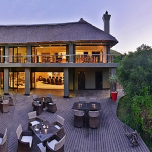 Shamwari Game Reserve - Luxury South Africa Honeymoon Packages - Eagles Crag Lodge dining