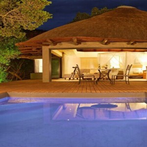 Shamwari Game Reserve - Luxury South Africa Honeymoon Packages - Eagles Crag Lodge pool