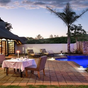 Shamwari Game Reserve - Luxury South Africa Honeymoon Packages - Logengula lodge exterior pool