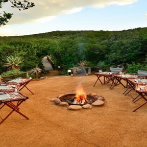 Shamwari Game Reserve - Luxury South Africa Honeymoon Packages - Logengula lodge outdoor area