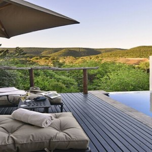 Shamwari Game Reserve - Luxury South Africa Honeymoon Packages - Logengula lodge sun deck