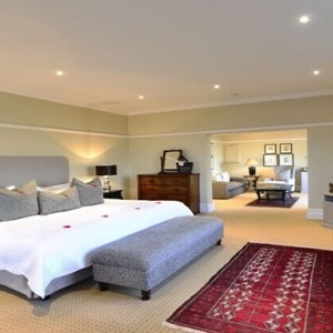 Shamwari Game Reserve - Luxury South Africa Honeymoon Packages - Long Lee Manor interior1