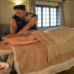 Shamwari Game Reserve - Luxury South Africa Honeymoon Packages - spa massage
