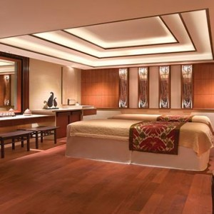 Shangri la Singapore - Luxury Singapore Honeymoon Packages - Couple spa treatment room