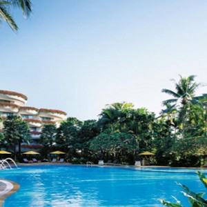 Shangri la Singapore - Luxury Singapore Honeymoon Packages - Garden Wing Deluxe Pool View