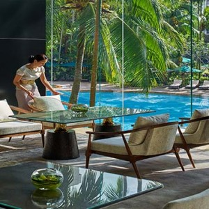 Shangri la Singapore - Luxury Singapore Honeymoon Packages - The lobby lounge table vignette