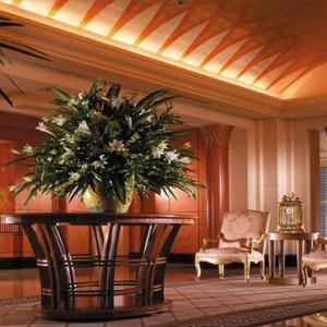 Singapore Honeymoon Packages Four Seasons Singapore Lobby