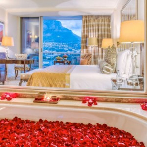 Taj Cape Town - Luxury South Africa Honeymoon Packages - Luxury Tower Rooms with Mountain view bathroom