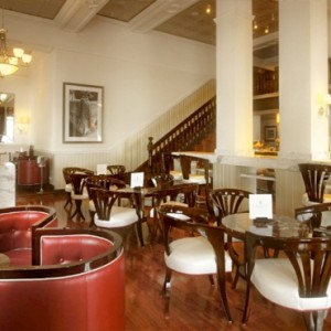 Taj Cape Town - Luxury South Africa Honeymoon Packages - Twanky Bar