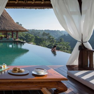 Bali Honeymoon Packages Viceroy Bali Breakfast At The Pool