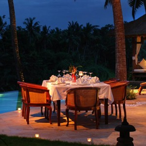 Bali Honeymoon Packages Viceroy Bali Dining By The Pool