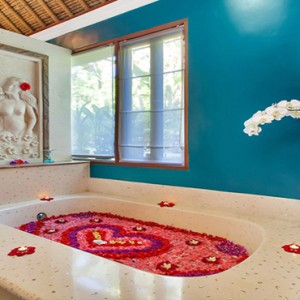 Bali Honeymoon Packages Viceroy Bali Lembah Spa Flower Bath