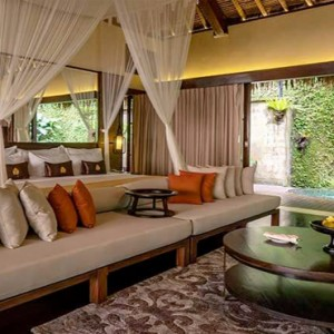 Bali Honeymoon Packages Hanging Gardens Of Bali Emperor Suite Bedroom1