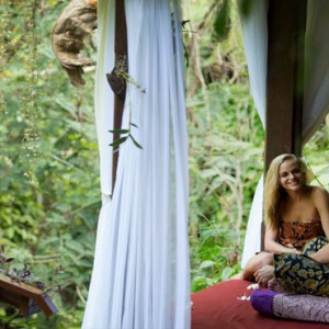 Bali Honeymoon Packages Hanging Gardens Of Bali Couple Spa Massage1