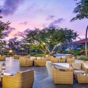 Bali Honeymoon Packages The Laguna Bali Cascade Bar 2